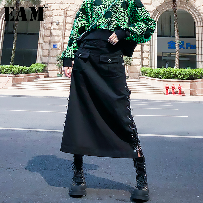 [EAM] High Waistbutton Black Metal Circle Split Temperament Half-body Skirt Women Fashion Tide New Spring Autumn 2020 1K339