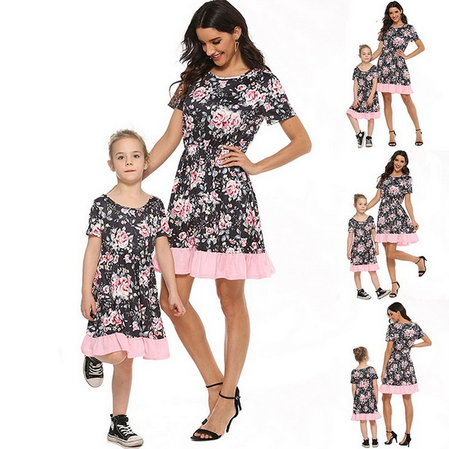 2020 Summer Family Matching Outfits Mother & daughter Matching Clothing 2-8T Floral Dress Mom Girls Family Clothes Outfits 3