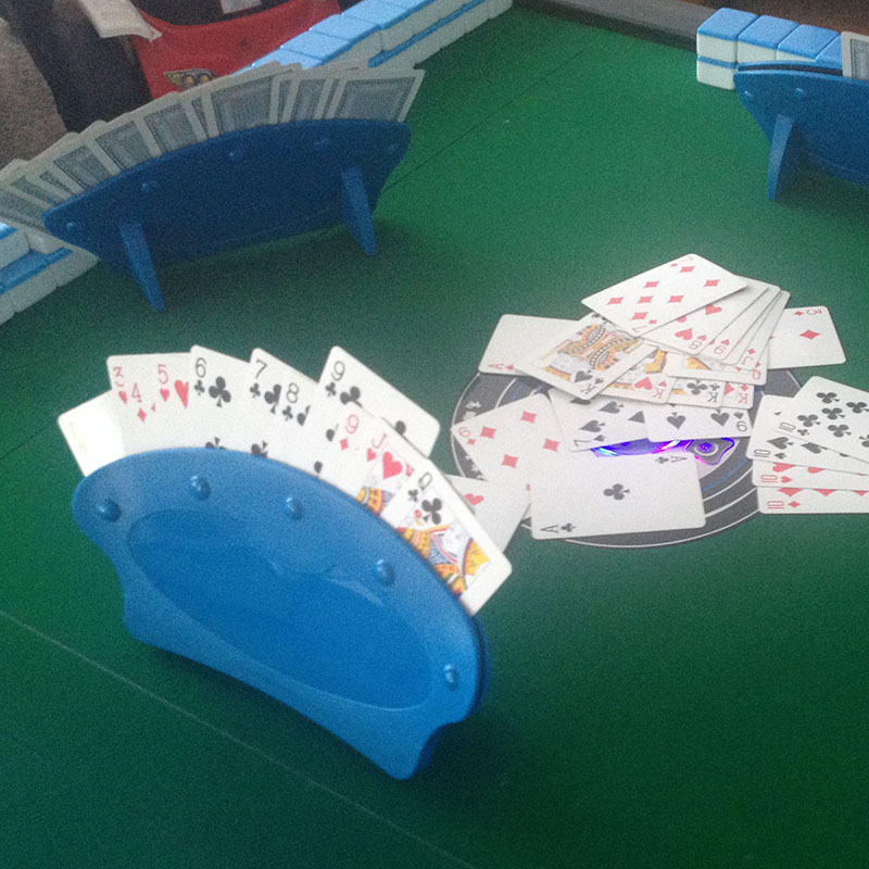 Playing poker card Holders base game organizes hand for easy play poker stand