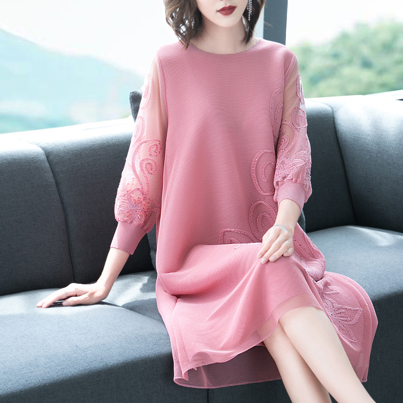 Embroidered Dress 2021 Spring New Fat Mm Fashion Foreign Style Cover Belly Word Age Reducing Loose Size pleates dresses