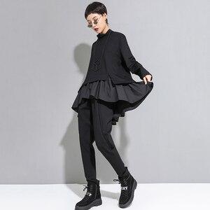 Image 5 - [EAM] Loose Fit סימטרי ראפלס סווטשירט חדש גבוה צווארון ארוך שרוול נשים גודל גדול אופנה גאות אביב סתיו 2020 1A529
