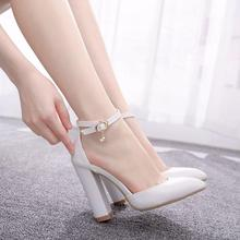 クリスタル女王サンダル女性ハイヒール夏正方形ヒールプラットフォームシューズセクシーな女性ホワイトパーティー結婚式の女性の靴パンプス