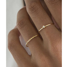 Chic Twisted Rope Slim Ring for Women, Stainless Steel Metal Wedding Ring Finger Band, Elegant Simple Vintage Party Jewelry