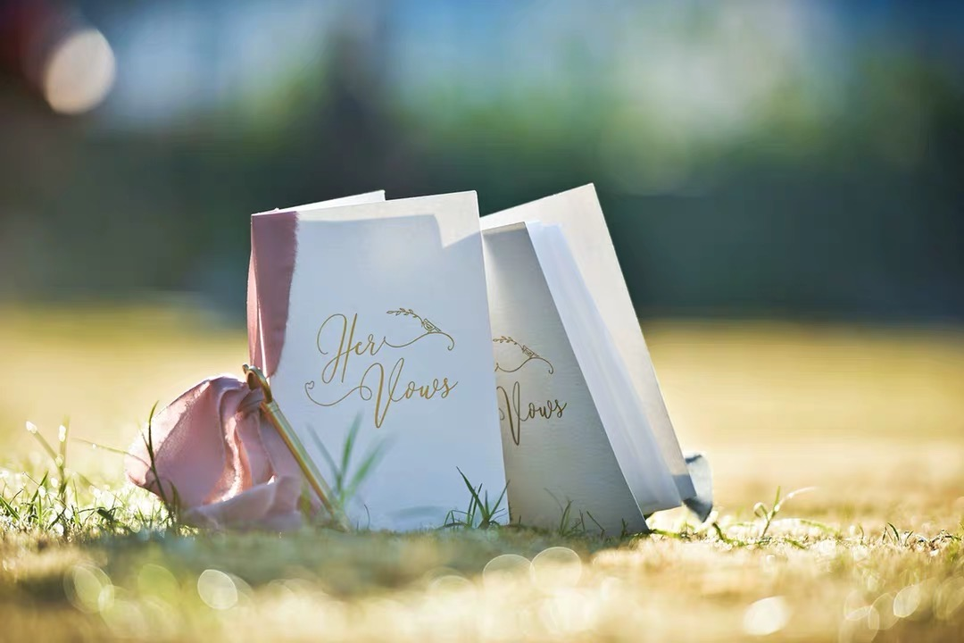 seda caneta rosa noiva e noivo romântico