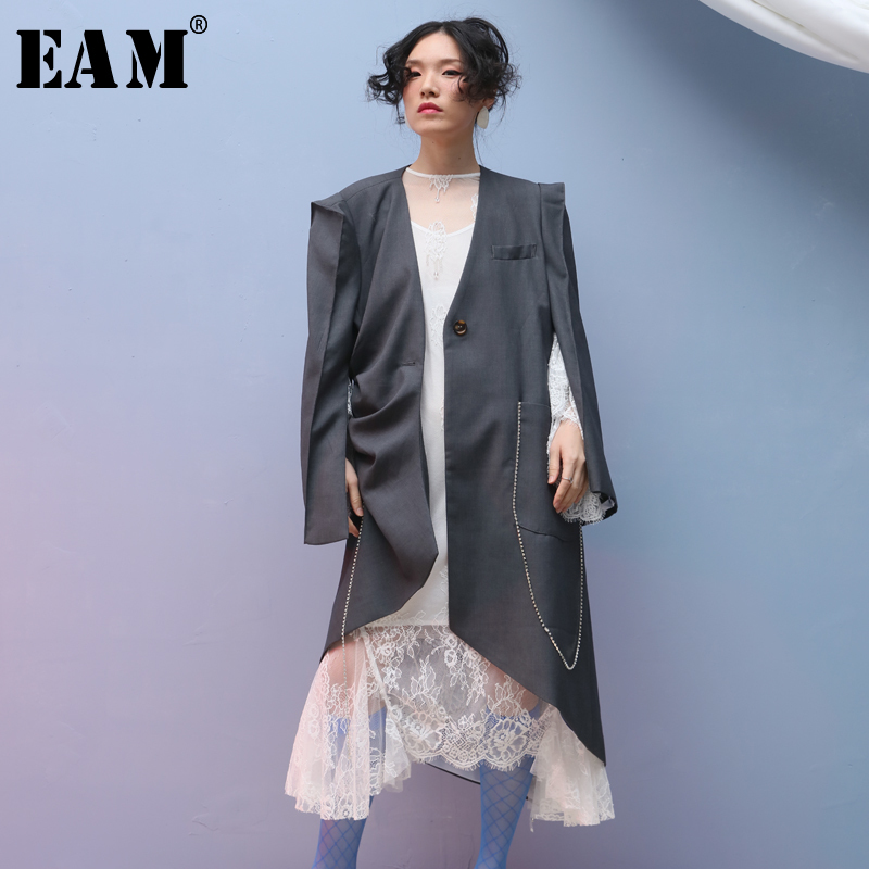 [EAM] Women Gray Asymmetrical Pleated Trench New V-collar Long Sleeve Loose Fit Windbreaker Fashion Spring Autumn 2020 JQ3730
