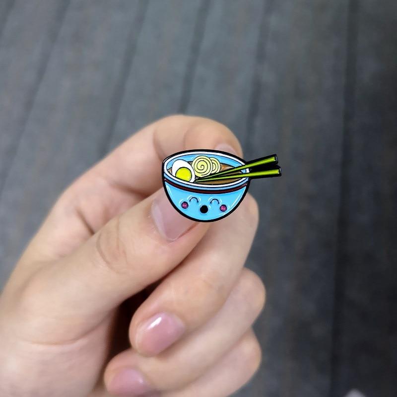 创意新款日系鸡蛋 面条蓝碗滴油胸针牛仔徽章5