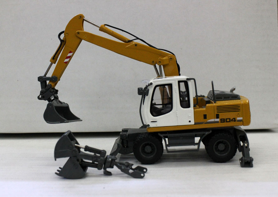 rare Special Offer 1 50 German A904C Model of alloy wheel excavator Replaceable grab Collection