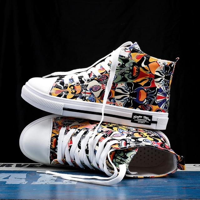 Zapatillas de deporte clásicas para hombre, zapatos de skateboard para parejas, transpirables, con cordones, informales, a la moda, con grafiti 2
