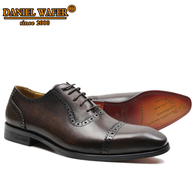 Marque de luxe En Cuir Chaussures Robe Haute Fait Main à lacets Pointu Toe Café Noir Hommes Chaussures Habillées Brogue Oxford Hommes Chaussures
