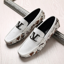 Hand Made Casual Slip On Men Shoes Plus Size 45 46 Men Loafers Black White Young Casual Drive Shoes Flats Casual Male Sneakers