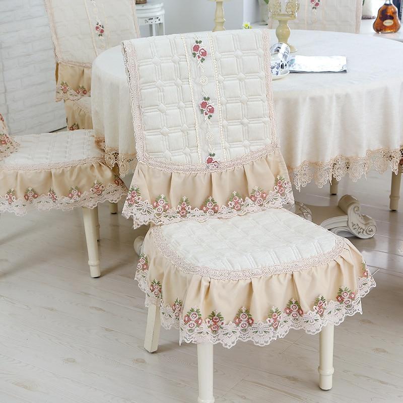 Купить круглая декоративная скатерть для столовой