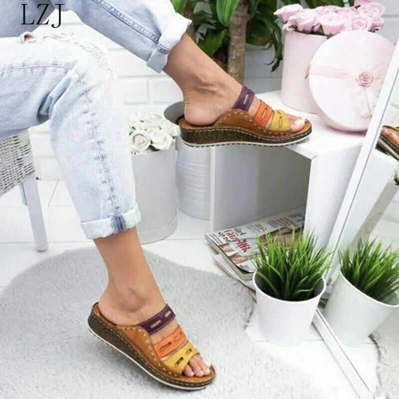 Kadın terlik karışık renk ayakkabı içi boş takozlar platformu düz taban plaj katır bayanlar slaytlar parti sandalet Zapatos De Mujer