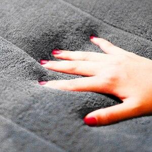Image 3 - 1pc Home Coral Fleece mata łazienkowa antypoślizgowy dywanik z pianką z pamięcią kształtu miękki dywan na podłogę Super chłonny 40x60cm