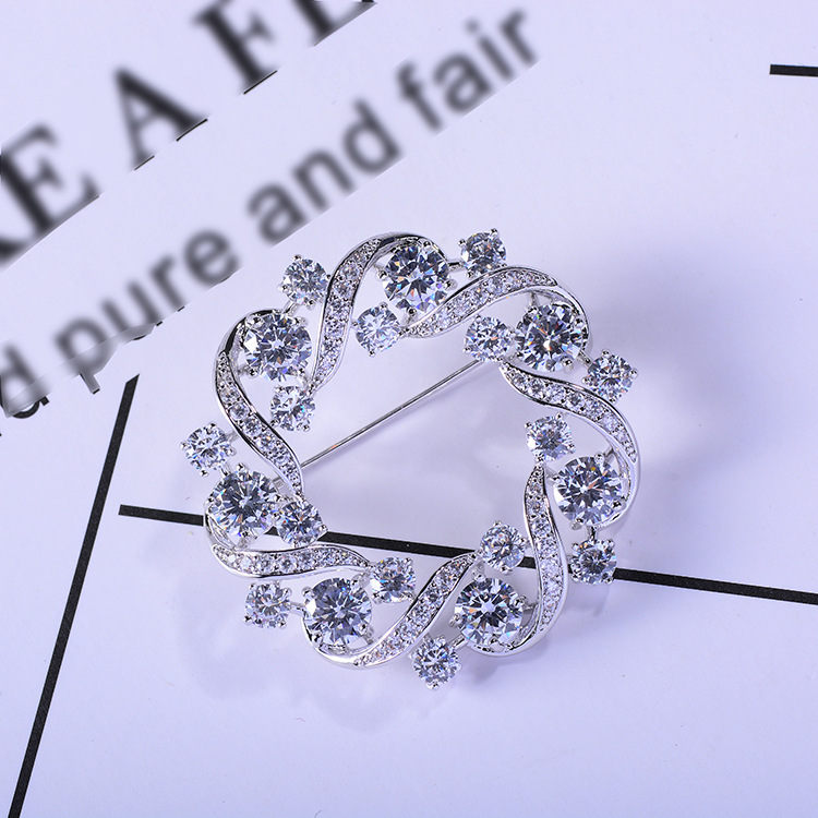 Bad Gug Shiny Rhinestone Flower Brooches for Women Round Brooch Pin Vintage Fashion Jewelry Winter Accessories Zircon Brooche-2