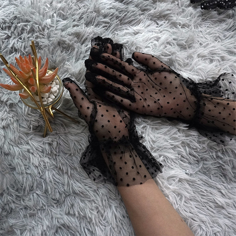 New 1 Pair Grace Autumn Summer Women Short Tulle Gloves Stretchy Lace Spots Lotus Leaf Sheers Flexible Accessories Full Finger