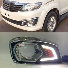 Auto Blinkt 2PCS LED DRL Für Toyota Fortuner 2012 2013 2014 Auto tageslicht Tagfahrlicht nebel lampe mit harness schalter