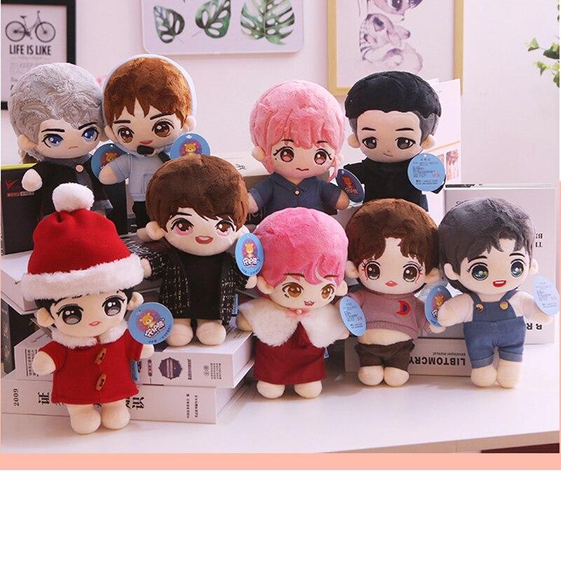 1 Uds k-pop XIUMIN SUHO LAY Chen Kris D.O Oh SeHun KAI Luhan Peluche de juguete encantador perro animal muñeca cumpleaños girlfirend regalo Nuevos accesorios para casa de muñecas DIY para la familia juguetes con muebles en miniatura garaje montar Villa para muñecas casa juguetes para niñas regalo de cumpleaños