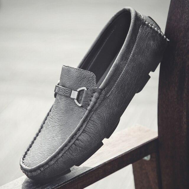 Erkekler rahat ayakkabılar moccasins üzerinde kayma nefes moda rahat klasik ayakkabı lüks artı boyutu 47 marka mokasen erkek ayakkabı