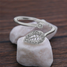 Womens Ring, European and American Personality, Simple Fashion, Micro-inlaid Zircon!