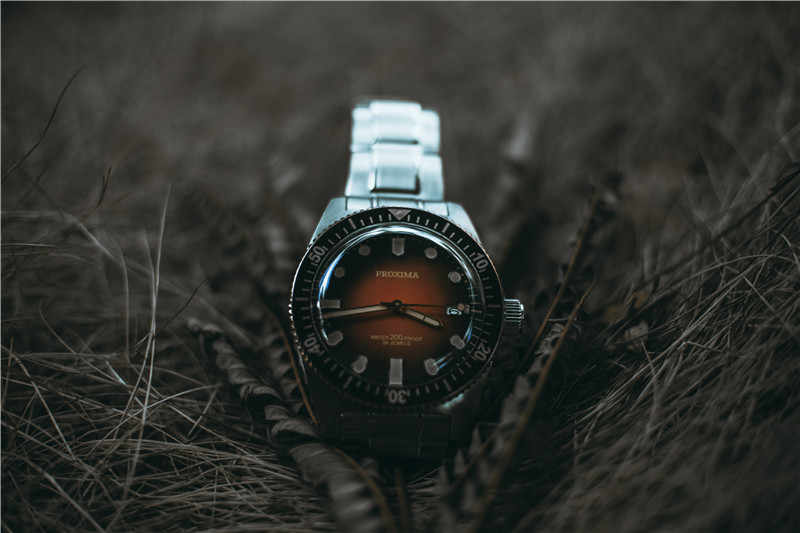 Proxima 40 40mm セラミックベゼルドーム型サファイアクリスタル 200 メートル耐水日本 NH35 自動メンズ腕時計