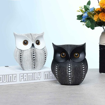 New Nordic Style Minimalist Craft White Black Owls Animal Figurines Resin Miniatures Home Decoration Living Room Ornaments Craft