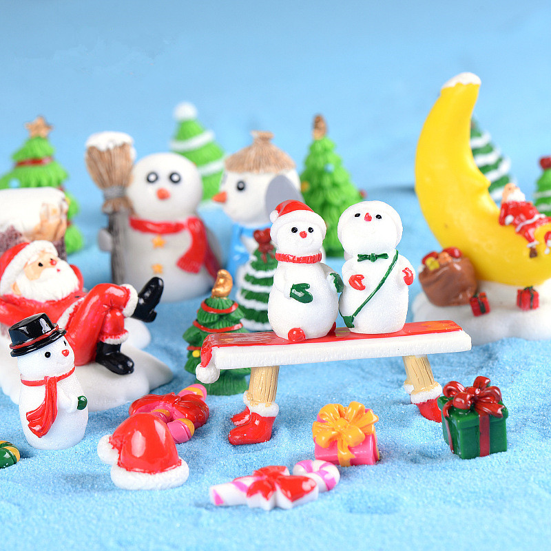 Kids Toy Christmas Miniature Figurine For Garland Decor Santa Claus Resin Statue Room Decoration Xmas Drop Ornaments Toy Gifts