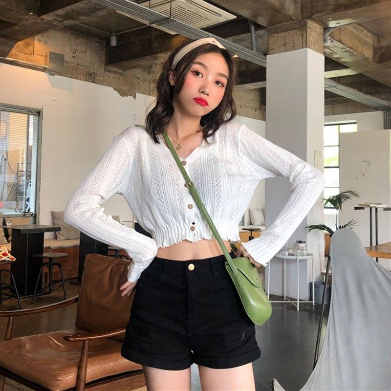 Women's V-neck Short Knit Cardigan Autumn New Students Wild Wear Chic Short Long-sleeved Tops White Black GD097