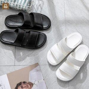 Image 1 - جديد Xiaomi شبشب رجالي الصيف الصنادل شاطئ الوجه يتخبط أحذية حمام المنزل الأحذية الذكور الشرائح لينة وحيد للجنسين النعال