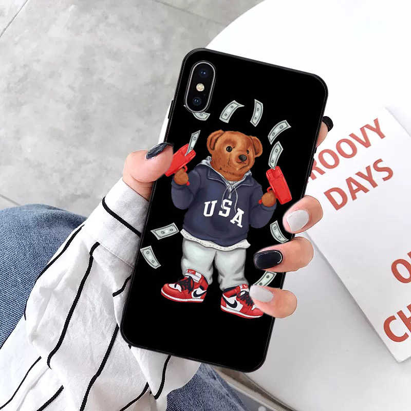 แฟชั่นหมีอิตาลีสีดำ Soft Shell โทรศัพท์สำหรับ iPhone ของ Apple iPhone 8 7 6 6S PLUS X XS MAX 5 5S SE XR 11pro MAX โทรศัพท์มือถือ