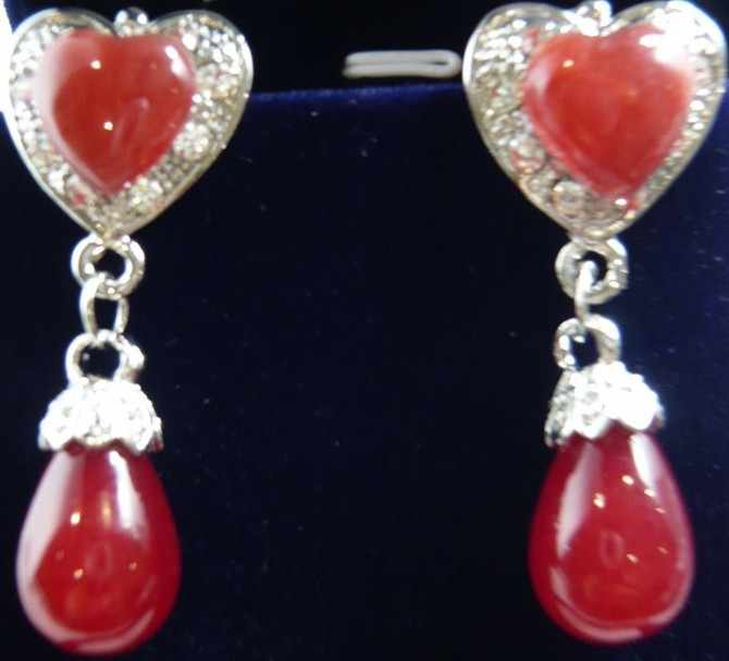 + + + 2 escolhas atacado verde/vermelho jade 18 kwgp cristal coração clip-on brincos