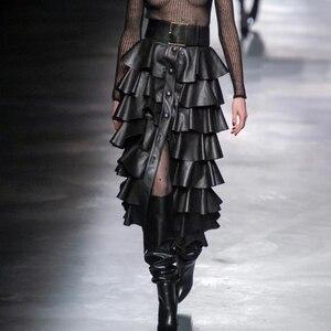 Image 4 - Deuxtwinstyle cuir synthétique polyuréthane noir à volants femmes jupes taille haute boutons Streetwear femme jupe 2020 automne mode nouveaux vêtements