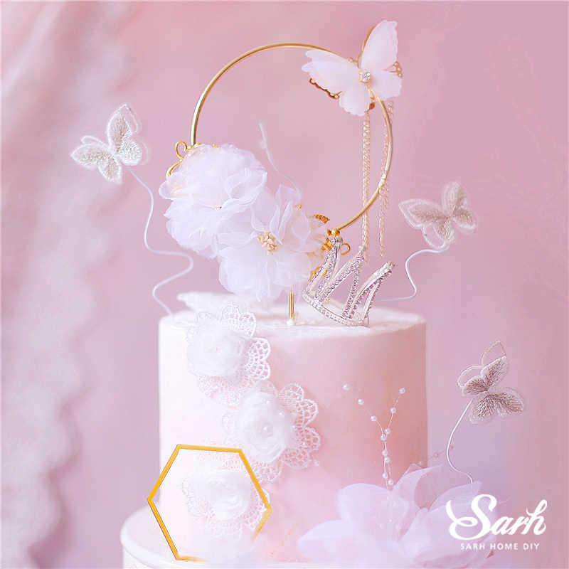 Бабочки из сахарного листа