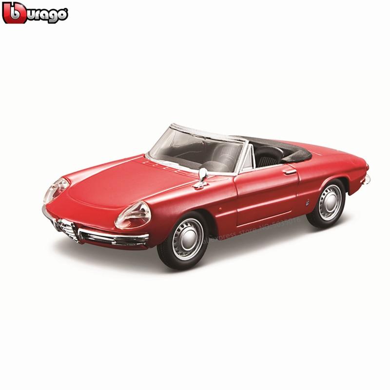 Bburago 1:32 1966 Alfa Romeo Spider Simulation Alloy Car Model Plexiglass Dustproof Display Base Package Collecting Gifts