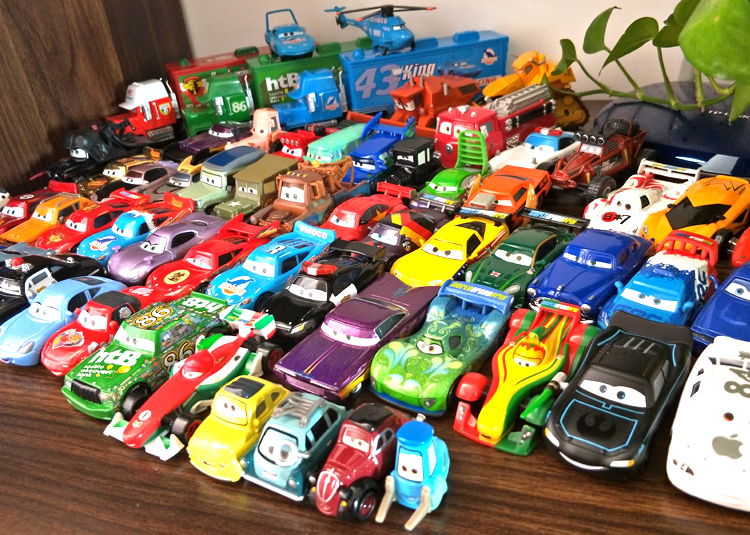 Disney Pixar Cars 2 3 model Lightning McQueen Mater Jackson Storm Ramirez 1:55 Diecast Vehicle Metal Alloy Boy Kid Toys Gift