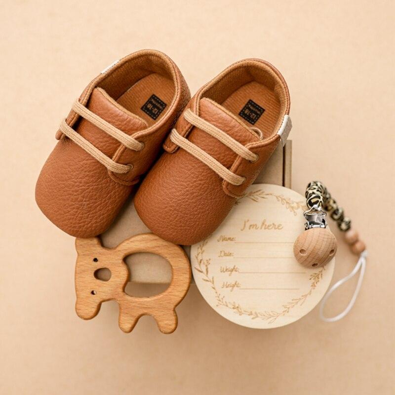 Nordic Stil Baby Wachstum Gedenk Milestone Set Junge Mädchen Weichen Wanderer Schuh Baby Holz Beißring Schnuller Kette Neugeborenen Geschenke