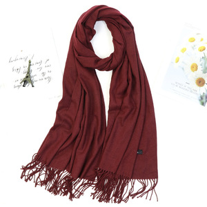 Image 1 - Kobiety jednolity kolor moda zimowy szal szal gruby Tassel hidżab szalik wino czerwony szary Khaki ciepła szyja WrapsLady Pashmina Bandana