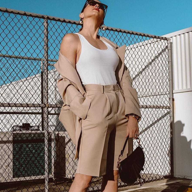 DEAT 2020 New Spring Summer Fashion Casual High Waist Loose Button Zipper Solid Straight Knee Length Pants Women SB606