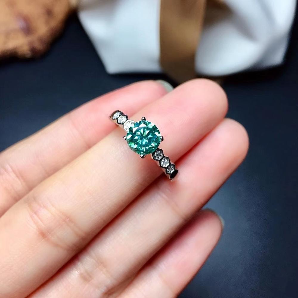 Green moissanite  Personality design  New ring, 925 Sterling silver, beautiful color, sparkling, 1 carat 2 Carat Diamond D VVS1