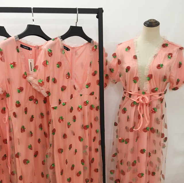 nice maxi dress with strawberry print 3