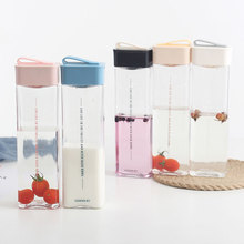 Square plastic water cup male and female students portable anti-fall water cup simple creative personality trend cup 400ml transparent pc plastic cup with tea compartment simple and fresh male and female students portable water cup high temperature