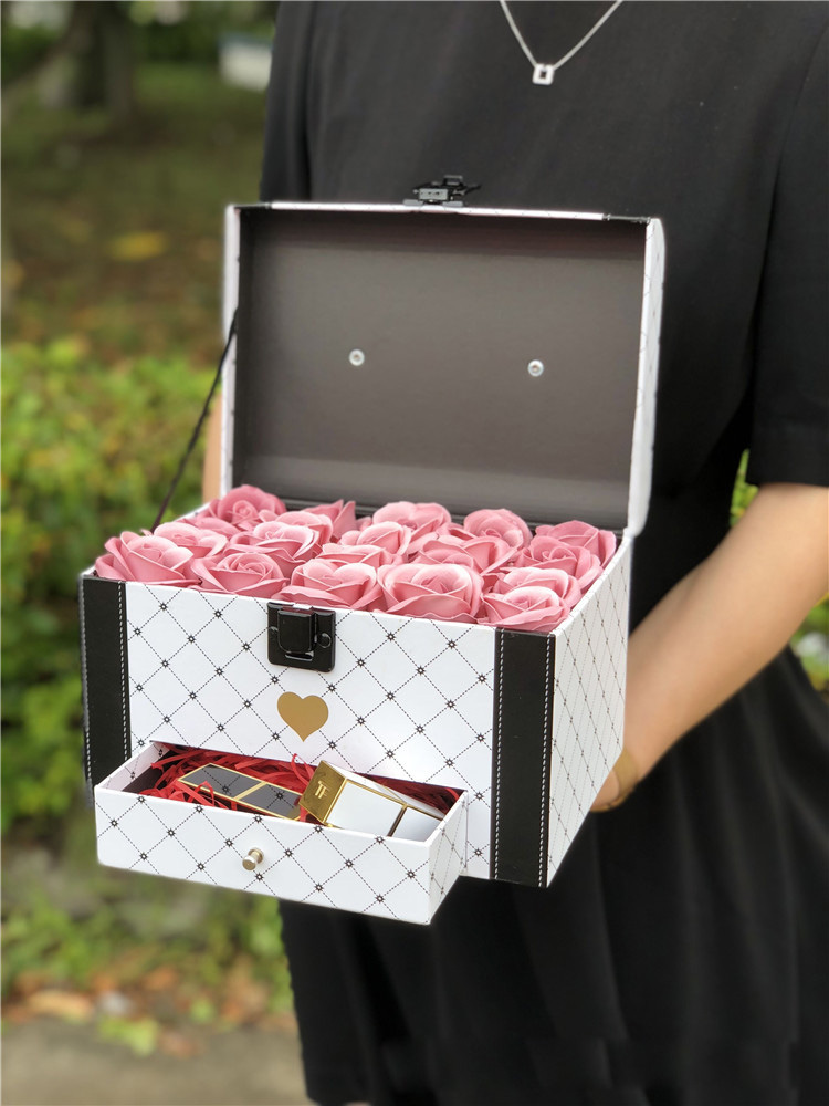 2pcs Continental wedding gift box flower carrying box rose box valentine flower shop gift party box wedding christmas decoration in Gift Bags Wrapping Supplies from Home Garden