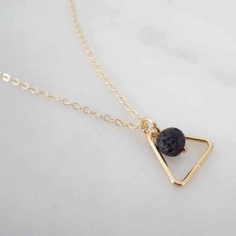 Abayabay Simple Collier ras du cou chaîne femmes colliers bijoux amoureux perles noires Vintage Triangle personnalisé Collares Collier