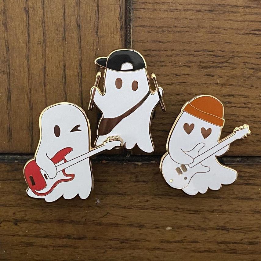 Жёсткая эмалированная брошь на лацкан Julie and The Phantoms Ghost Band