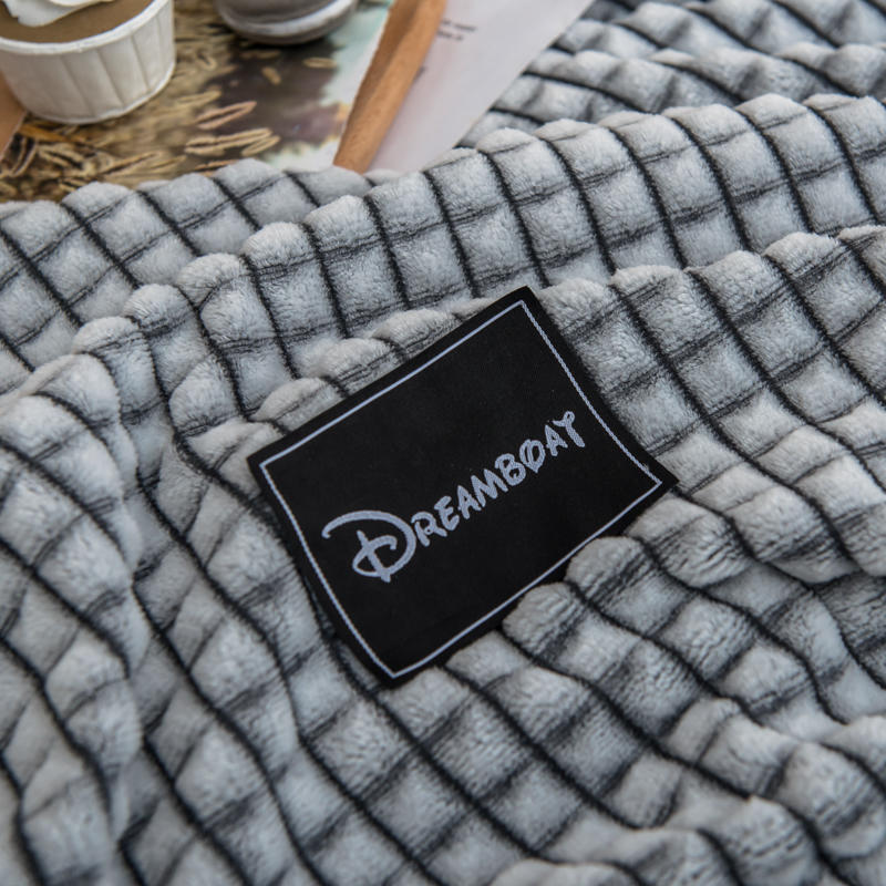 Bonenjoy Plaid for Beds Coral Fleece Blankets Gray Color Plaids Single/Queen/King Flannel Bedspreads Soft Warm Blankets for Bed-5