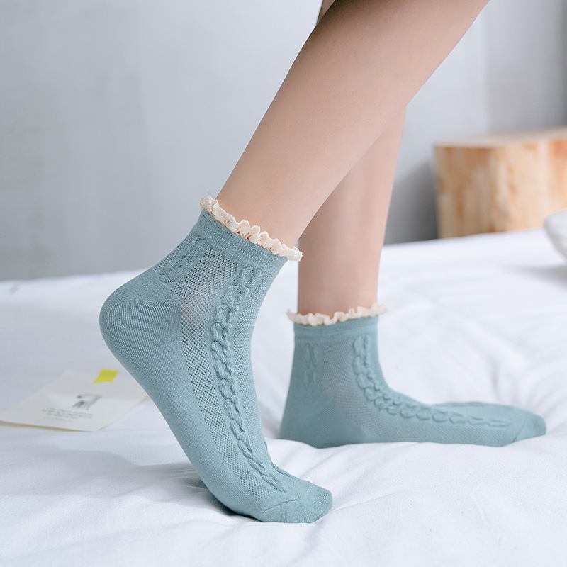 Women Socks 2020 New Spring Casual Sweet Lace Socks Women Retro Color Women's Short Socks Breathable Elasticity High Quality