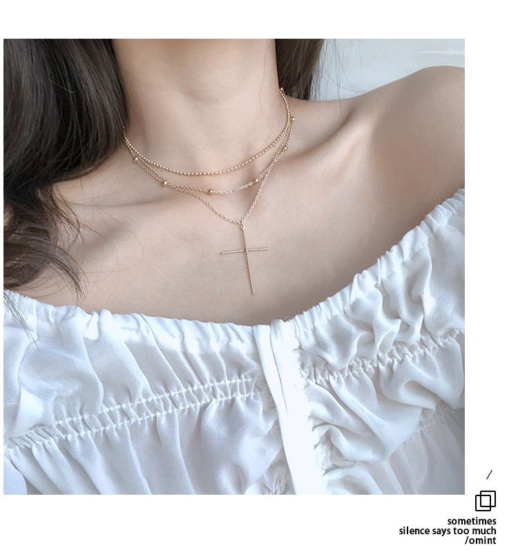 Simple net red neck three layer cross necklace female neck clavicle chain collar accessories in Pendant Necklaces from Jewelry Accessories