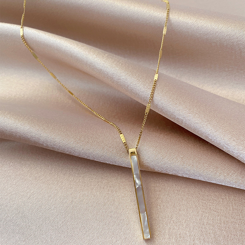2020 South Korea New Exquisite Shell Titanium Steel Necklace Simple Fashionable Clavicle Chain Women's Jewelry