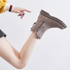 Image 5 - Del Cuoio genuino Pattini Delle Donne di Inverno Stivali Da Neve Caldo Scarpe Inverno Freddo Stivali Donna Caviglia Femminile Altezza Crescente scarpe 4.5 centimetri YX1668