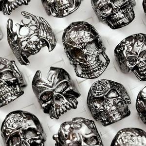 Image 5 - 100Pcs Fashion Mens Skull Skeleton Gothic Biker Rings Men Rock Punk Ring Party Favor Wholesale Jewelry Lots Top Quality LR4107