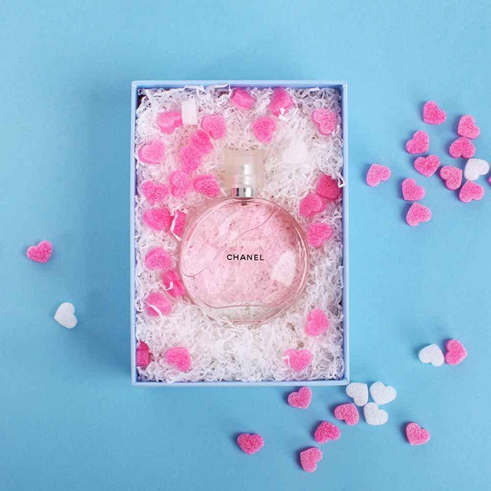50 teile/beutel Rosa Mini Herz Liebe Perlen Schaum Streifen Schleim Geschenk Box Flauschigen Schleim Füllstoff Schlamm Ton Verpackung Hochzeit Blume box Füllstoff